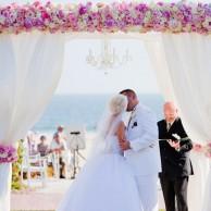 Элемент выездной регистрации - свадебная арка